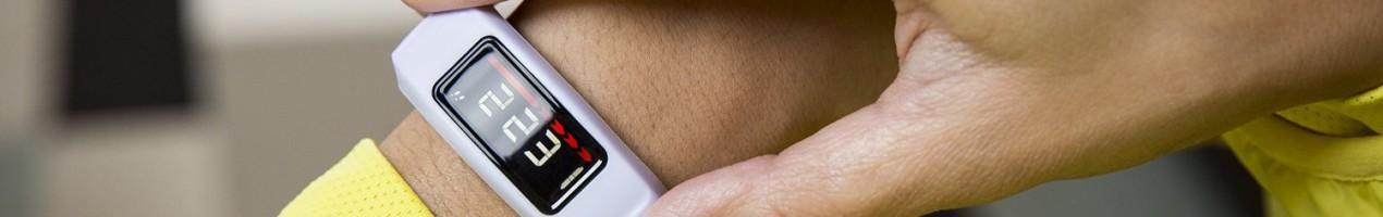 Garmin vivofit 2 bundle with heart rate monitor